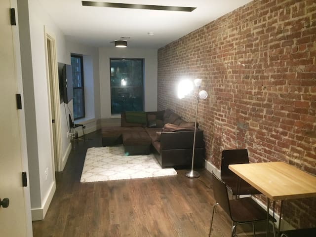 Bed Stuy Brooklyn-Spacious, Gorgeous 1 BR