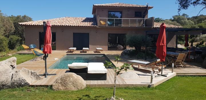 Villa entière,neuve avec piscine chauffée