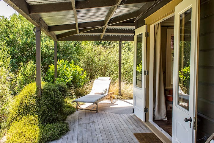 Secluded Haven Near River, Bush, Beach & Havelock