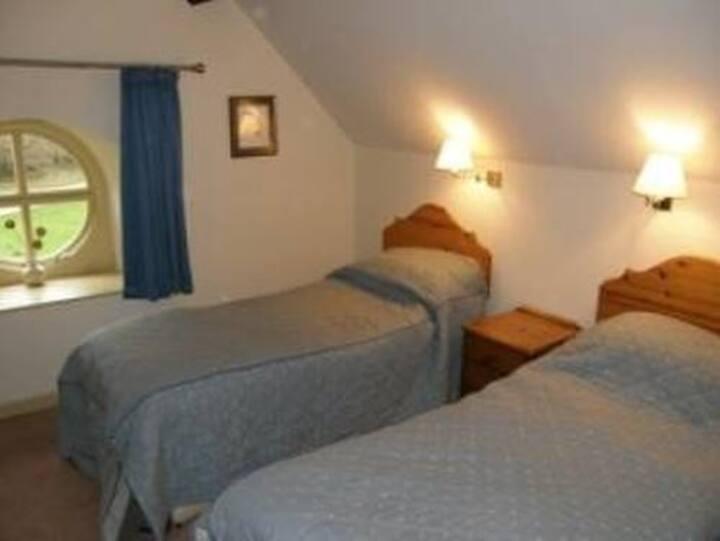 3 bedroom cottage - King Tor