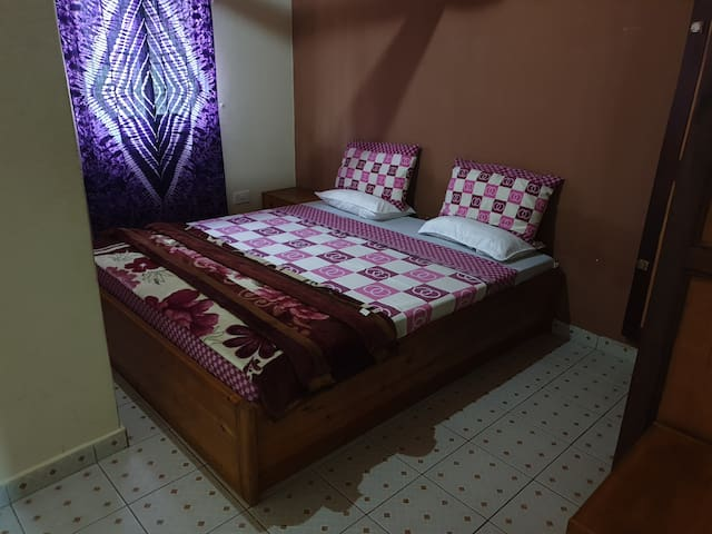 Bedroom - Large Double Room