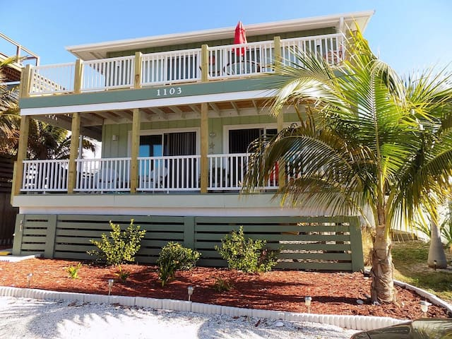 Turtle Nest Retreat - Manasota Key (lower unit)