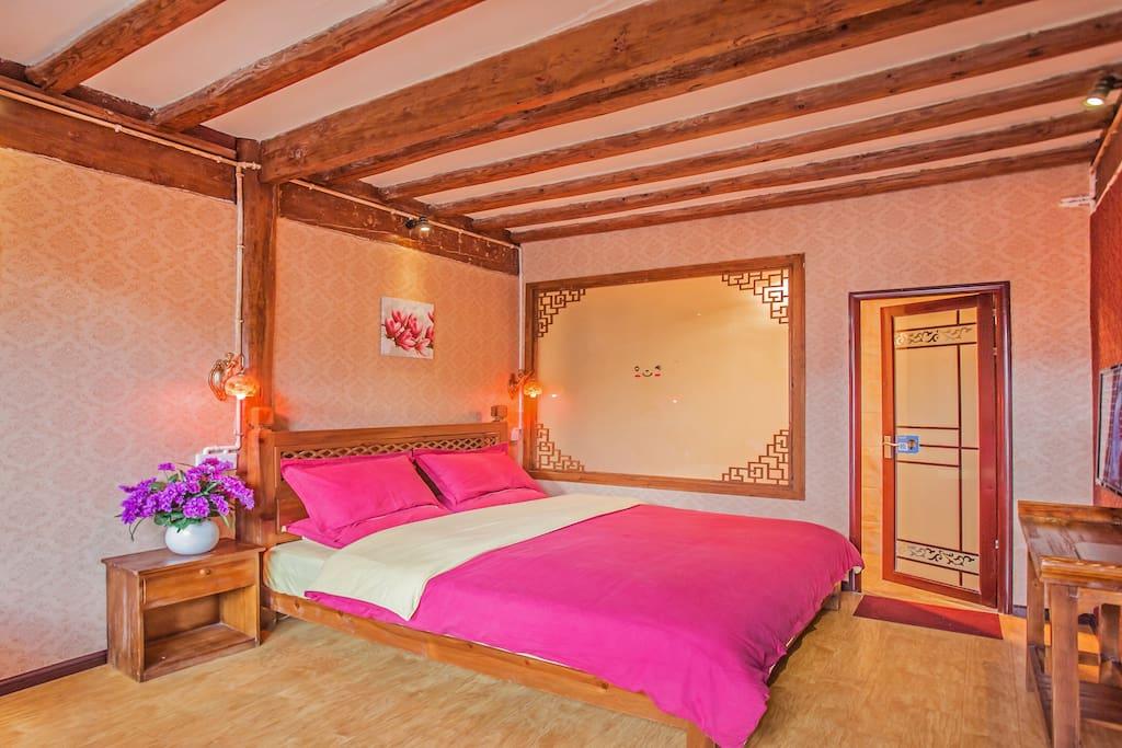 二楼阳光大床房