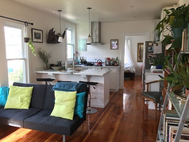 Bright and comfortable Pacific Grove apartment - Pacific Grove - Flat
