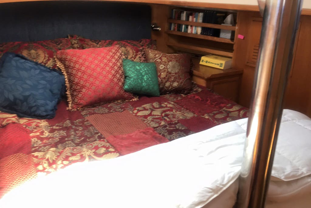 Queen berth in Master Stateroom.