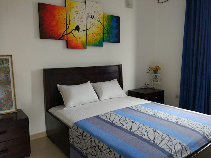 Circle Ceylon Single Suite - Mount Lavinia