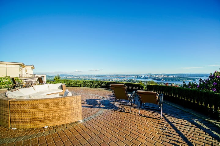 Top of Vancouver - West Vancouver Luxury Home