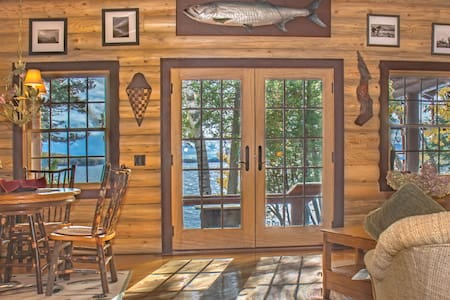 Fisherman's Cabin of Nevermore Cabins /Kayaks - Greenville
