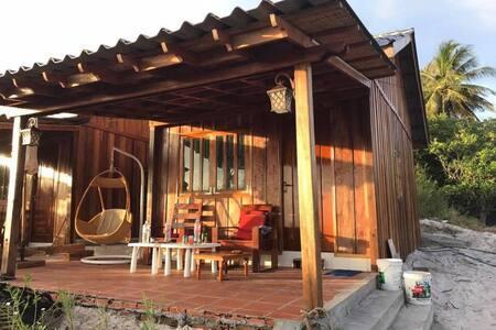Natura Lodge and Camping: King Bungalow 1