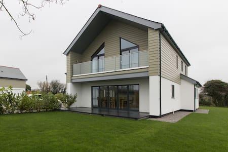 Tresweden House (4 bed,sleeps 11) - St minver