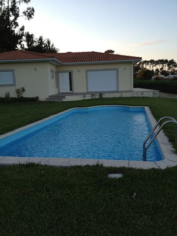 Suite for 1/2 in nice house with swimming pool - Barqueiros - Hus