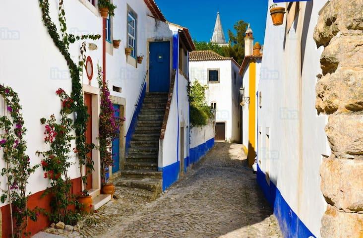 Castle holidays - Casa Maria d' Óbidos - Óbidos - Haus