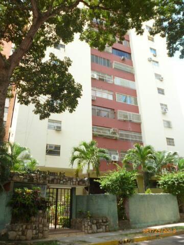 Alquilo Anexo en Valencia, Venezuela