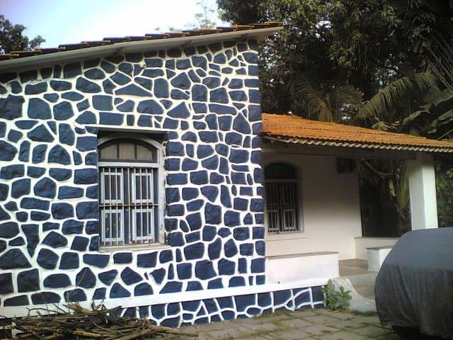 2 Bedroom Bungalowe-Sasawane-Alibag - Alibag - Hus