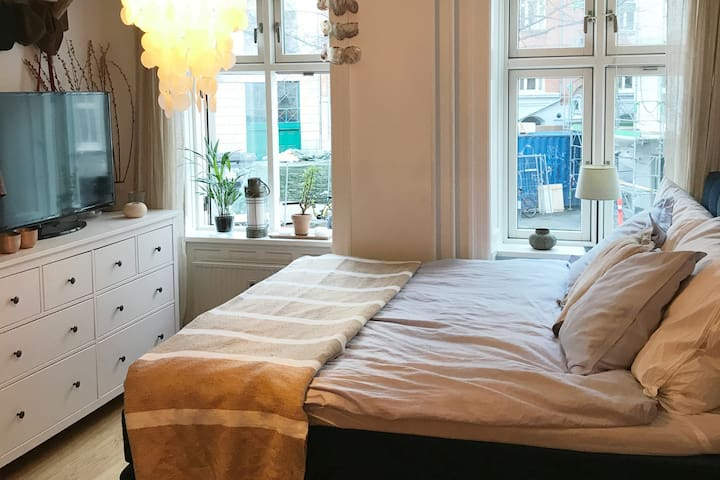 Cosy and chic hide-away in central Copenhagen