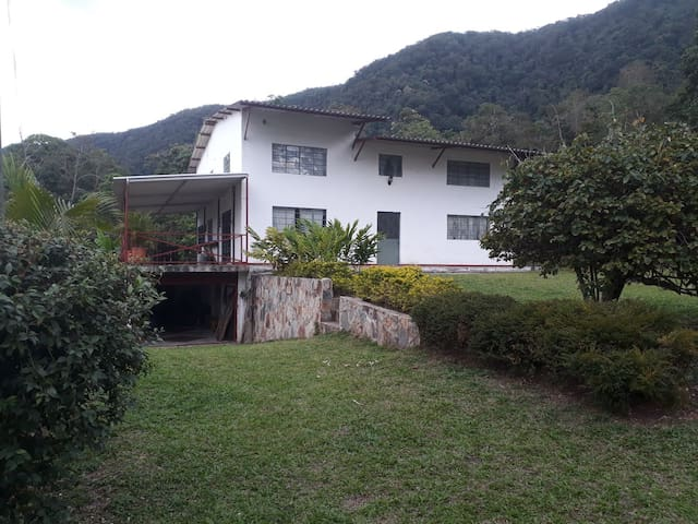 COUNTRY HOUSE AND OUTDOOR ACTIVITIES MELGAR
