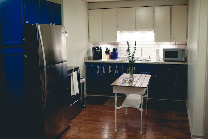 Fully equipped kitchen with brand new appliances.