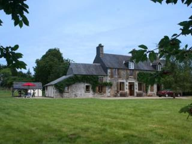 Beautiful renovated farmhouse in Southern Normandy - Savigny-le-Vieux - บ้าน