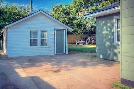 Cozy studio in the heart of OKC - Oklahoma City - Pensió