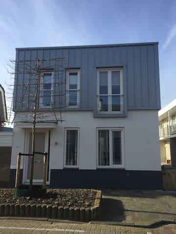 Comfortable Beachhouse incl parking - Noordwijk - Hus