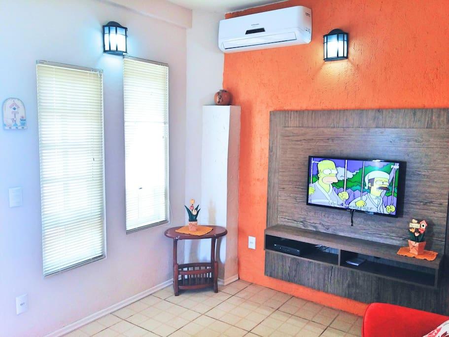 TV a cabo e ar condicionado