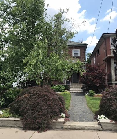Beautiful newly renovated home near the Junction!