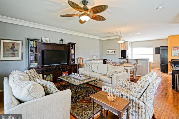 Perfect Location/Relaxing Rehoboth Beach Townhouse