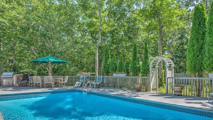 New Listing: Gorgeous Garden Home with secluded and heated pool, quiet getaway