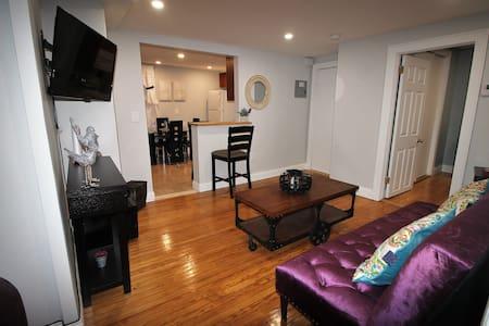 Heydi's View Downtown Jersey City 2 bedroom  apt