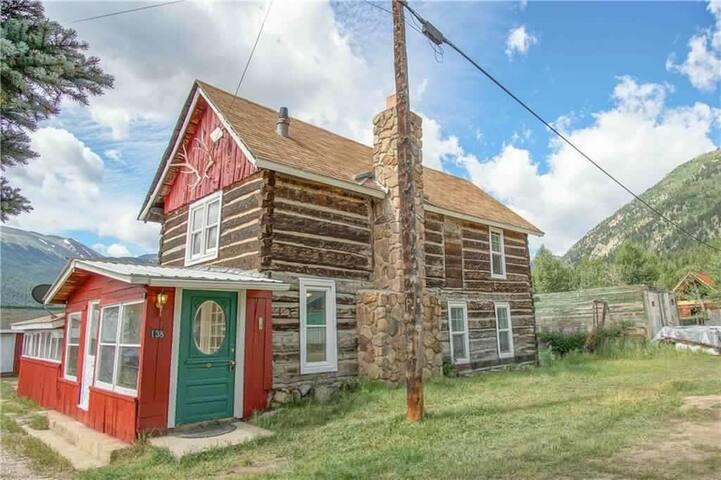 Willard's Historic Log Cabin