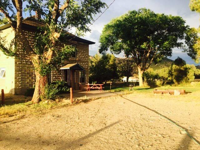 Happy Home Near Arkansas River
