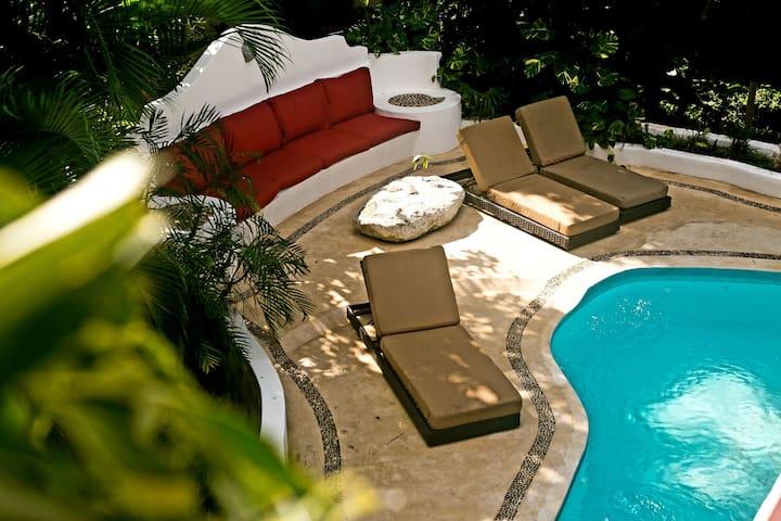 Villa La Perla Beach House