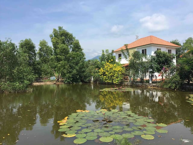 Family Orchard Home close to Kampot centre