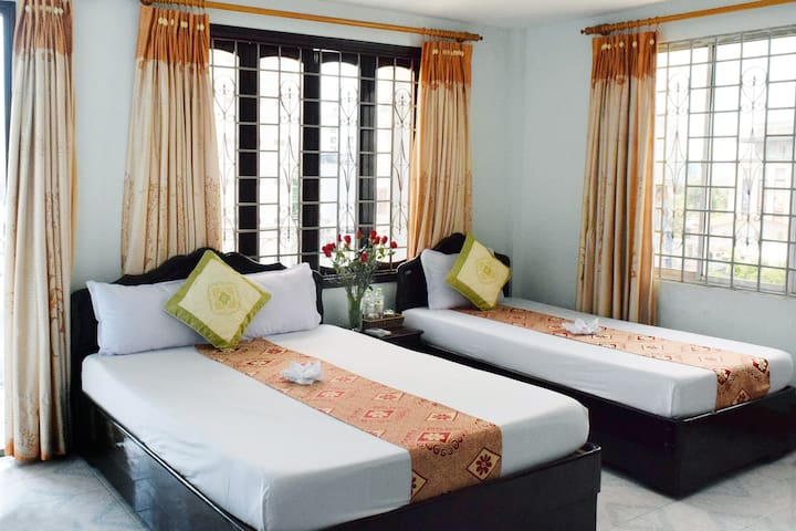 Tripple Room w Balcony - Nhat Le Hotel
