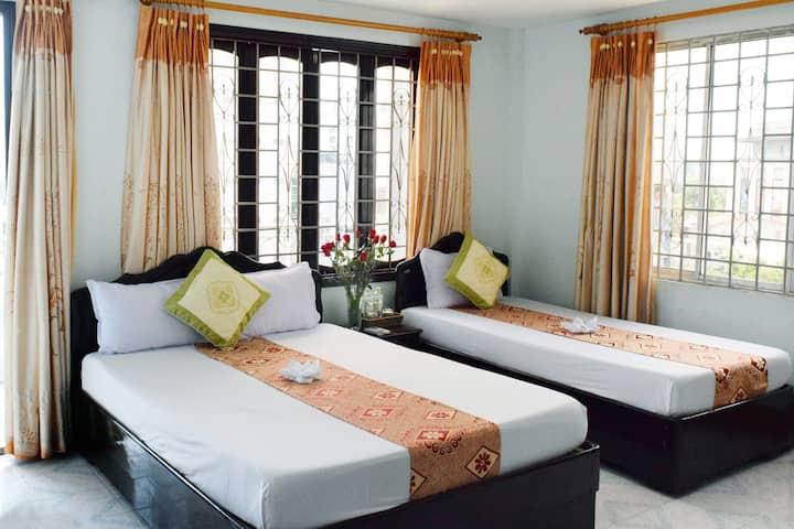 Tripple Room w Balcony - Nhat Le Hotel
