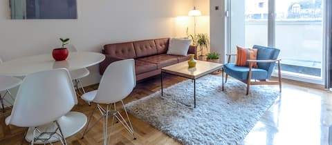 Bright and comfy apartment close to the old town