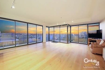 Penthouse apartment in the heart of wolli creek