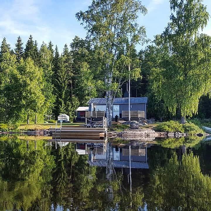 Stuga i Småland mellan Vimmerby och Hultsfred.