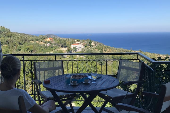 Aegean Breeze Mansion - Relaxation and Comfort