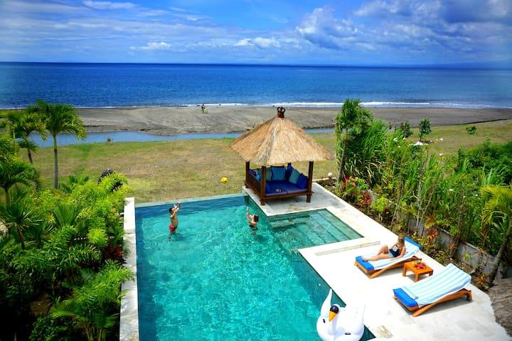 Luxe Moderne Strand Villa Met Prive Zwembad