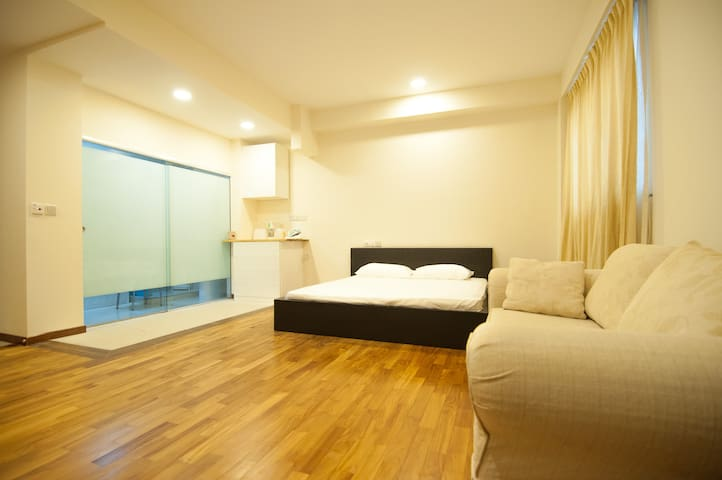 SUITE ROOM - ION Orchard MRT 12-Minute Walking