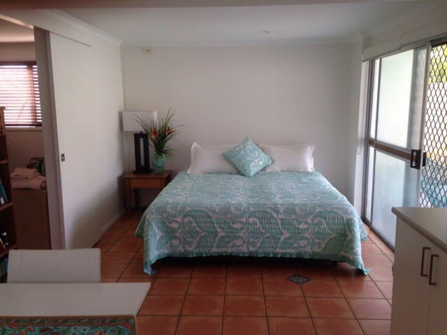 Miami Homestay - Gold Coast - Miami - House
