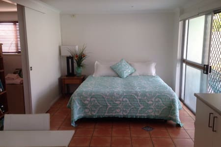 Nobby Parade Homestay - Miami Beach, Gold Coast - Miami - Ev