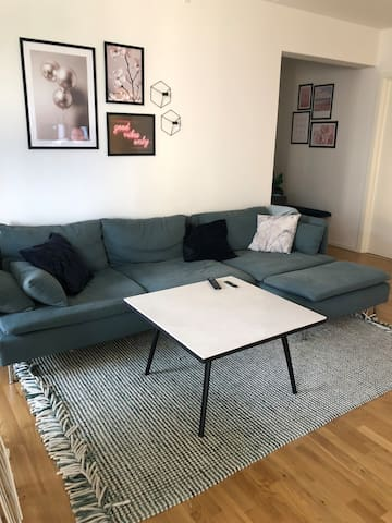 Nice modern apartment close to airport and city