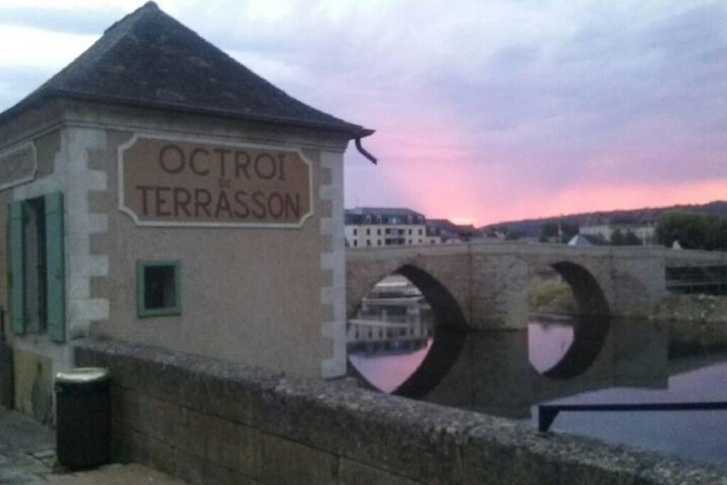 Pont Vieux à 100 m
