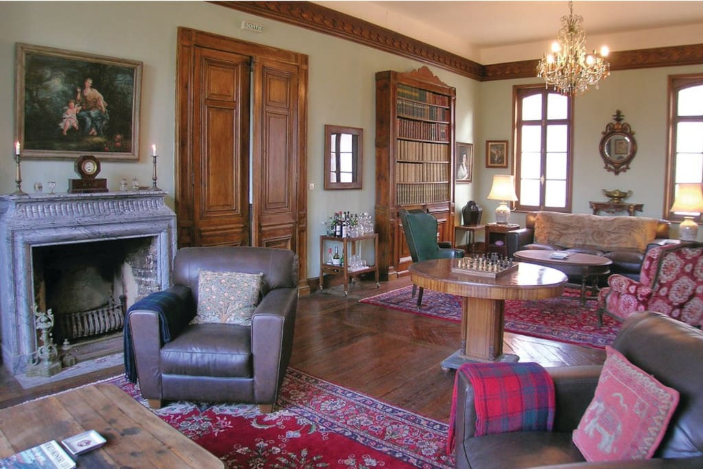 The library room/ living