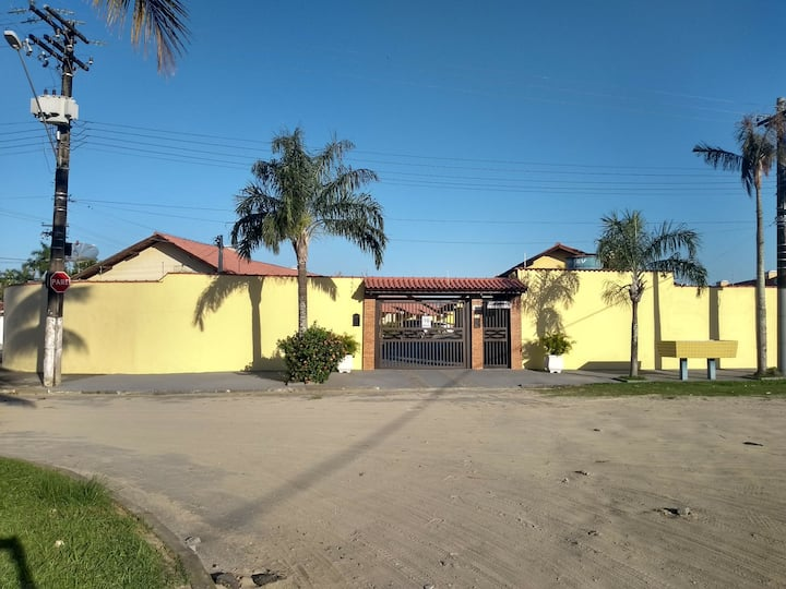 Casa Compartilhada Bertioga Frente Sesc 300m praia