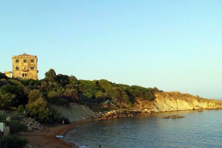 Little, indipendent Bungalow: bio garden & sea - Crotone - Bungalow