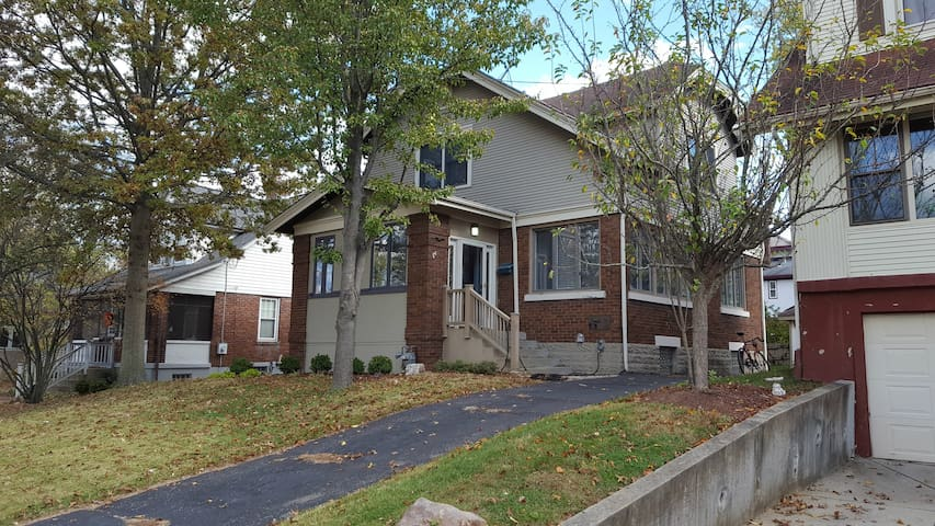Newly renovated home in East Hyde Park - Cincinnati - Huis