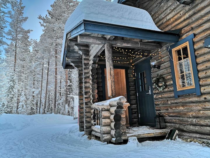 Cozy log dublex cabin in Ylläs,perfect location.